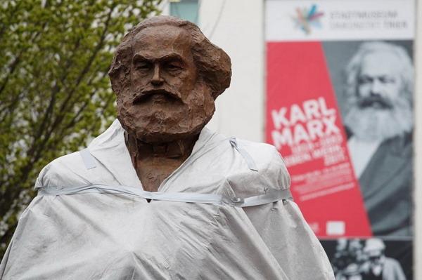 marx-szobor-avatas