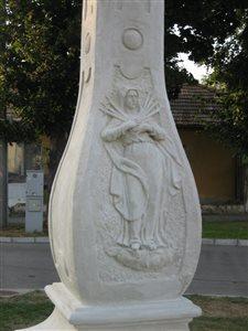 Szt Haromsag szobor04