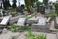 Vandálok a szenci temetőben!