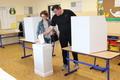 Rendben zajlik a választások második köre Szencen