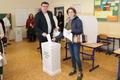 Képek a szenci választásokról